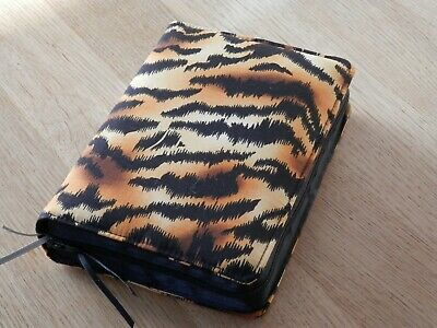 New World Translation 2013 Zipped Fabric Bible Cover - Tiger Print