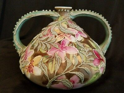 ANTIQUE NIPPON MORIAGE SQUAT VASE 1890s TWO HANDLES APPLIED LEAVES FLOWERS