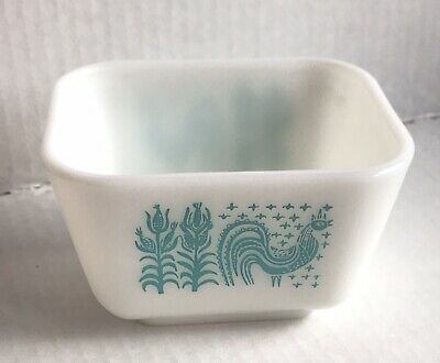 Vintage Pyrex Butterprint 501 Fridge Refrigerator Dish without lid 1 1/2 Cup