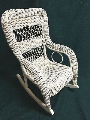 VINTAGE 1930s CHILD'S WHITE WICKER ROCKING CHAIR - VERY GOOD CONDITION