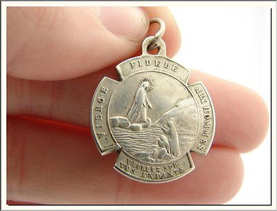 GORGEOUS ART NOUVEAU 1900's FRENCH VIRGIN MARY TRUSTS IN GOD SIGNED MEDAL !
