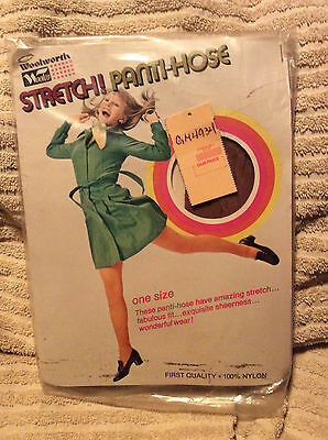 Vintage Gold Key queen pale beige nude pantyhose w// model one size Stunning!