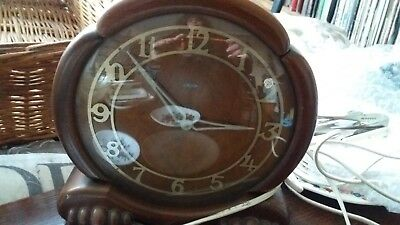 Vintage Metamec Electric Wooden framed clock