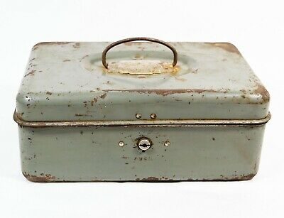 VTG Union Steel Chest Push Latch Metal Rusty Utility Fishing Tackle Box w/o Key