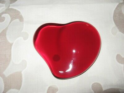 ee9664750d6 Tiffany   Co. Red Crystal Heart Paperweight Signed Elsa Peretti Sticker Tag