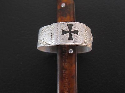 Rare Antique German WW1 Soldier Trench Battle Field Aluminium Ring With Cross