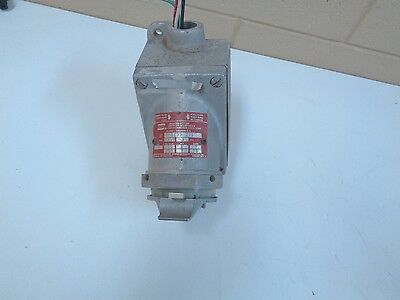 Crouse-Hinds Cps732R Delayed Action Arktite Receptacle - Free Shipping!!!