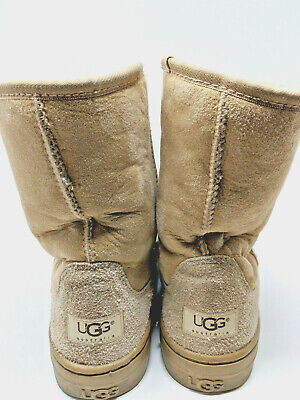 5a2b914cb0c UGG ULTRA SHORT Revival Womens Boots US Size 10 Black Sheepskin ...