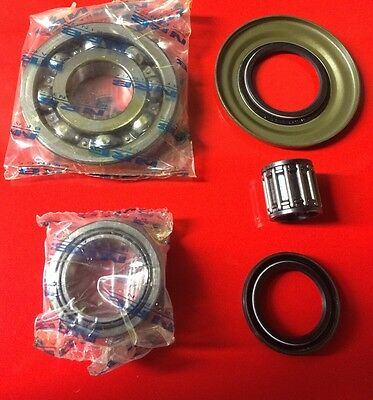 Vespa Flywheel and Clutch bearing + seal kit P200