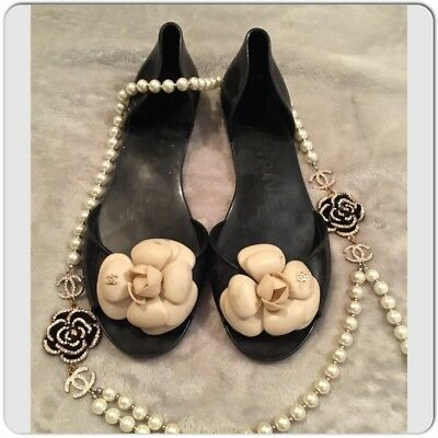 bc27daa4a CHANEL JELLY CAMELLIA Flat Black Cream Flower Sandals Size 38 ...