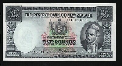 "1967 Banknote New Zealand Five Pounds with security thread "" Fleming "". A/UNC"
