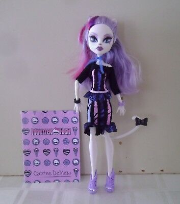 Monster high doll Catrine Demew