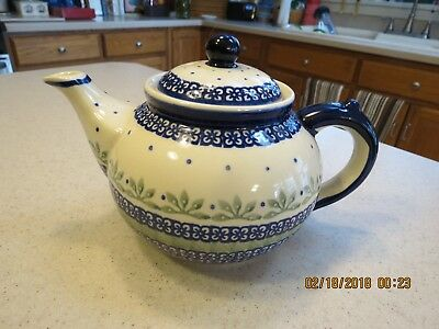 Polish Pottery Hand Crafted 24 oz (3 cup) Teapot