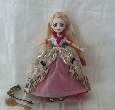 Ever after high Thronecoming doll Apple White