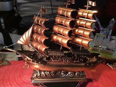 model Ship size 32 cm 34 cm 7 cm