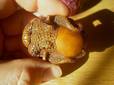 Hand Carved wood Netsuke octopus lays in wait collectable boxwood figure 1