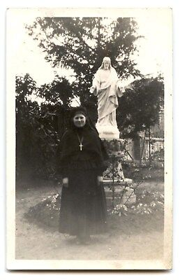Card Photo.portrait of a Religious Statue of Christ Jesus