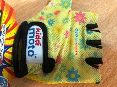 Kiddi Motto Kids Bike//Wheelchair Gloves Age 2-5 years /& 5 Yellow Flowers Design
