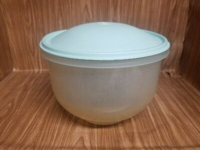 Vintage Tupperware pastel blue lid with clear bowl 782-12