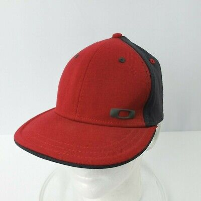 Oakley Fitted Hat Cap A-Flex Size S/M Logo Red Gray Black Interior