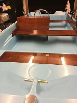 BOSTON WHALER CLASSIC PRE 1976 16/'//17/' BOW HATCH COVER; BH-8