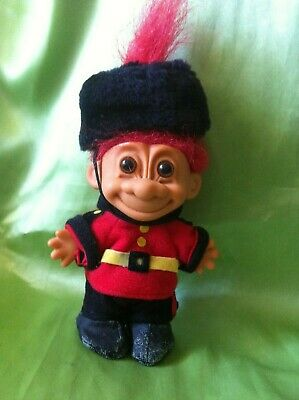 Russ Troll Doll England Around The World series English Palace Guard collect