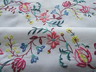 Vintage Hand Embroidered Linen Tablecloth-SUPERB JACOBEAN STYLE CREWEL WORK