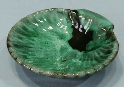 Vintage Evangeline Canada Pottery 953 Footed Shell Nut Dish