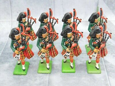 SCOTTISH BAGPIPES x8 Piper Highlanders Britains 61672
