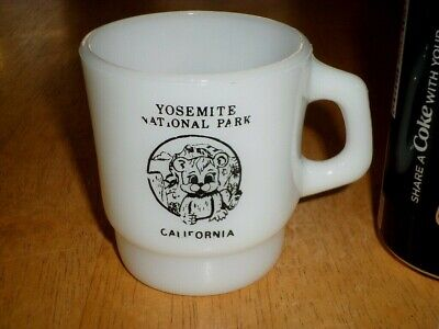 YOSEMITE NATIONAL PARK - CALIFORNIA, MILK COLORED GLASS Coffee Cup, USA #1960's