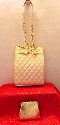 Beautiful Quilted Ivory Shoulder Bag With Metallic Gold Kiss Lock Coin Purse Euc