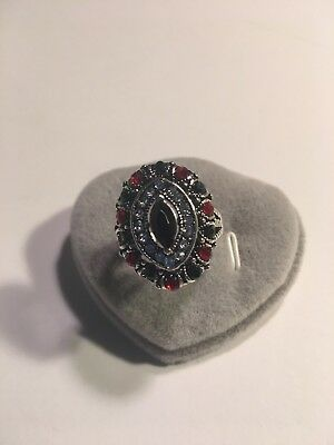New Retro  Inlaid Crystal Silver Plated Ring  Size 8-R924