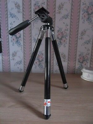 Velbon Tripod 10 Inch Extending To 40 Inches