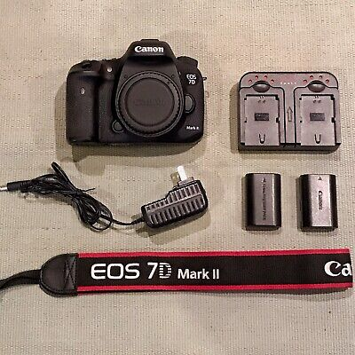 Canon EOS 7D Mark II (9128B002) 20.2MP Digital SLR Camera - with Extras!