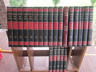 Vintage Collier 's Encyclopedia Yearbooks ~22 Leather Bound Books 1965-1986  250