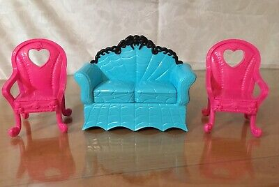 Lot Of 3 Monster High Dollhouse Furniture Blue Chair Coffin Couch