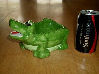 ALLIGATOR, [3-D] SHAPED CERAMIC ASHTRAY, VINTAGE # 1960's yrs.