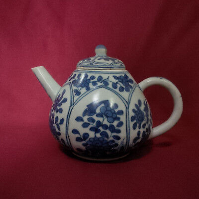 Real Antique Chinese Qing Kangxi B/W Flower Teapot
