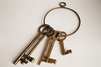 Heavy Set of Five Vintage Brass Keys * Wall Hanging* Shabby chic* Rustic