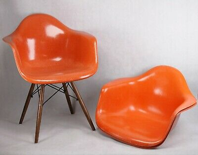Original Charles Eames Herman Miller Armchair Fiberglas orange +- Gestell/Base