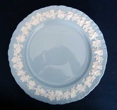 Wedgwood Wedgewood Queensware SHELL EDGE Cream Color On Lavender Dinner Plates
