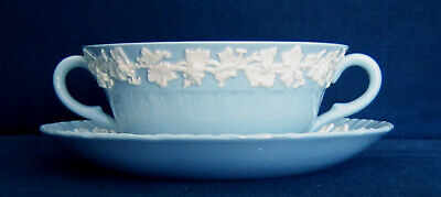 Wedgwood Queensware CREAM SOUP BOWL w/ SAUCER SHELL EDGE Cream On Lavender