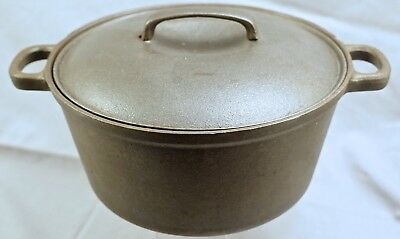 Country House by Krischer, Cast Iron Dutch Oven with Lid. 4.5 quart.