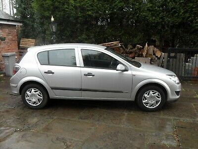 Vauxhall Astra Life A/c 2009 1.4 Petrol *very Low Milage 64Ooo Only