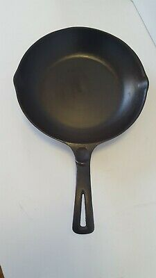 """Wagner Ware Sidney -O- Cast Iron 9"""" Chef Skillet 1386B sits FLAT"""
