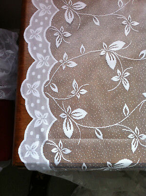 White net / lace curtaining - excellent condition