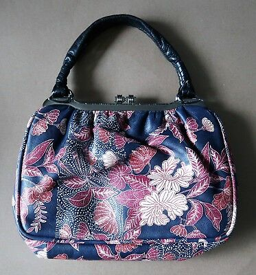 *Immaculate Vintage 1980s Printed Red & Navy Blue Leather Handbag