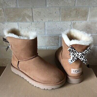 21e3d25f3c1 UGG WOMEN'S MINI Bailey Bow II 2 Chestnut Suede New With Box ...