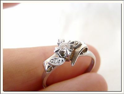 LOVELY ANTIQUE 1920's 18k WHITE GOLD & DIAMOND SOLITAIRE RING !!! VISIT MY STORE