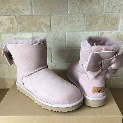 fb62a958e3d UGG MINI BAILEY Bow II Glam Pink Dusk Suede Fur Boots Womens Size 9 ...